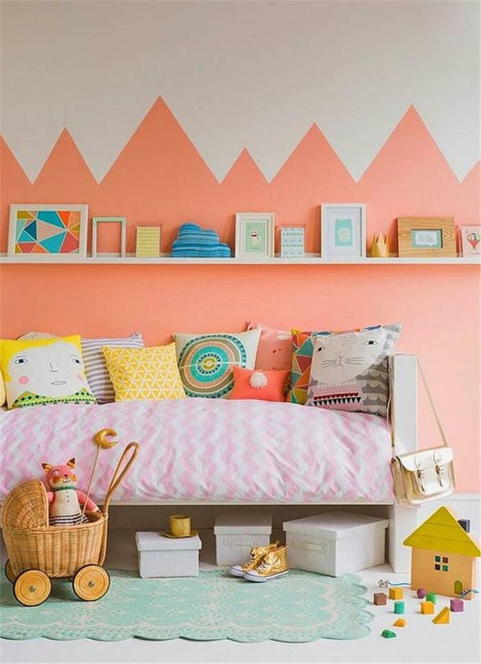 chambre d'enfant idée déco couleur corail
