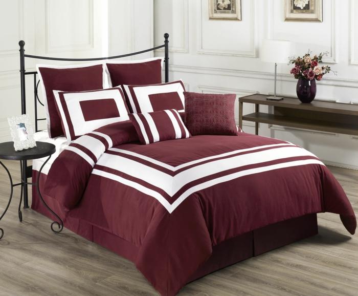 chambre linge de lit couleur lie de vin