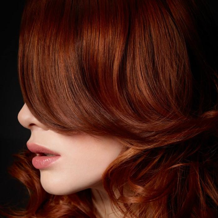 cheveux couleur auburn cuivré