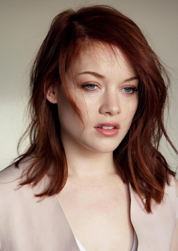 cheveux mi-longs carnation claire cheveux couleur auburn