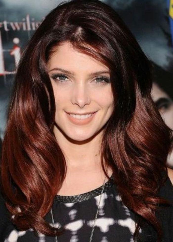 coloration automne cheveux couleur auburn