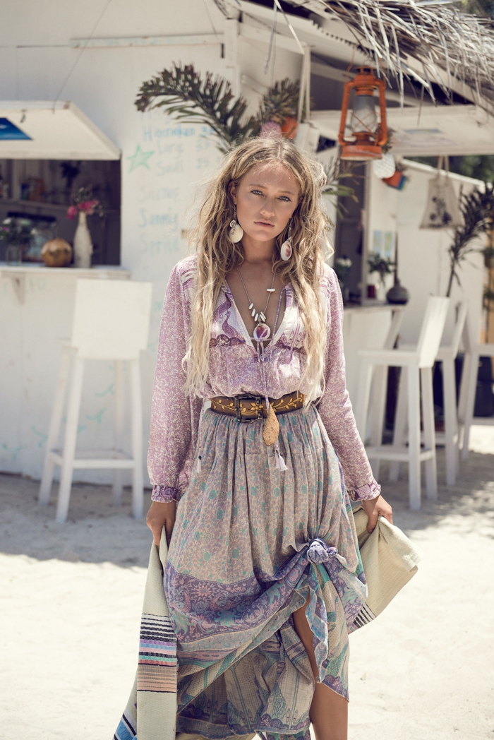 comment adopter le style bohème avec une robe longue bohème