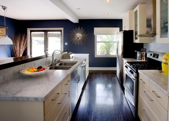 cuisine déco couleur indigo plan de travail en marbre