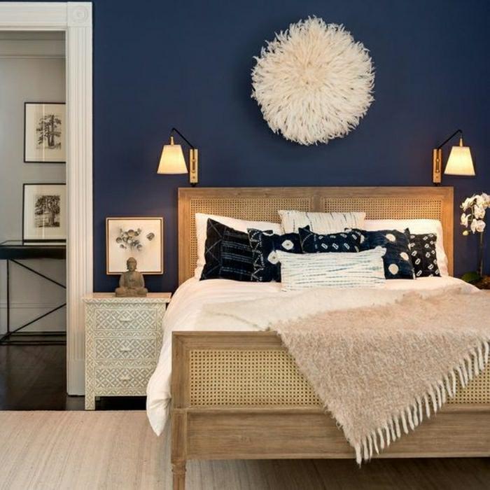 déco chambre chaleureuse peinture murale couleur indigo