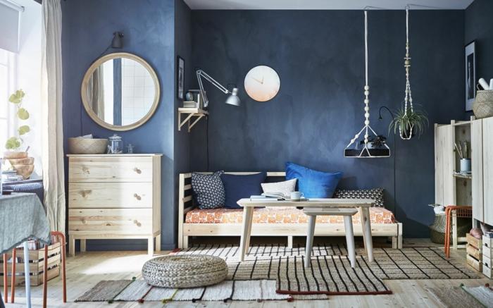 déco salon couleur indigo mobilier en bois