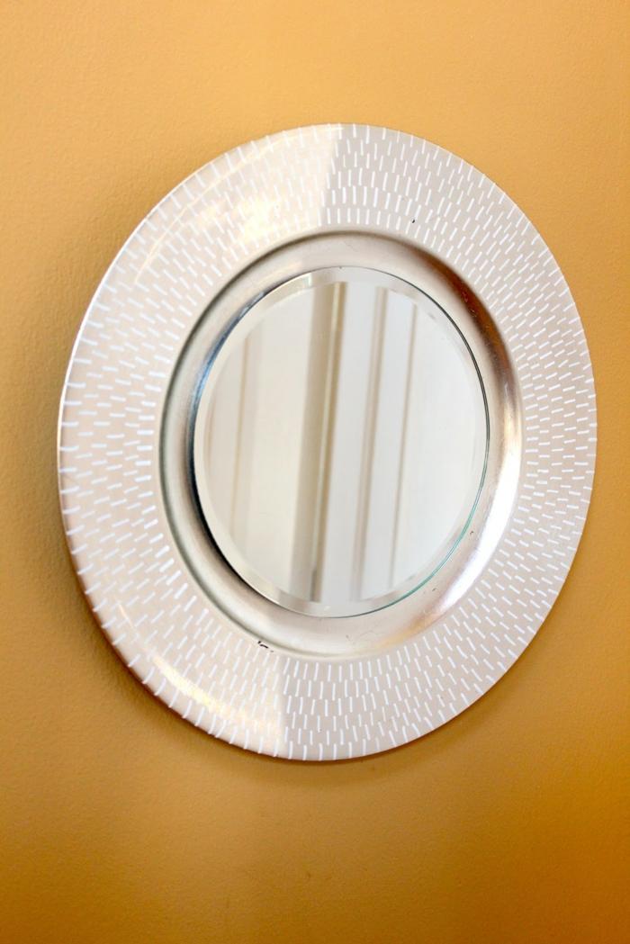 diy miroir idée avec une assiette
