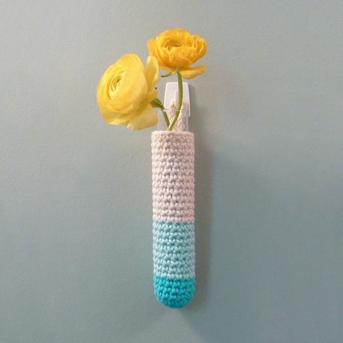 diy vase soliflore tricotage