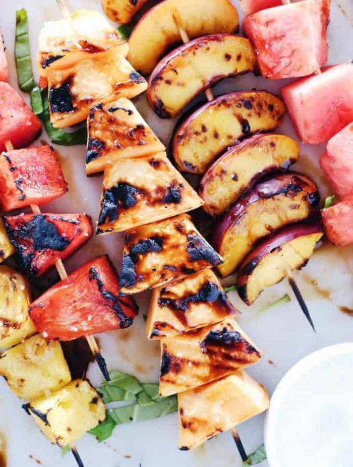 fruits grillés avec la pastèque