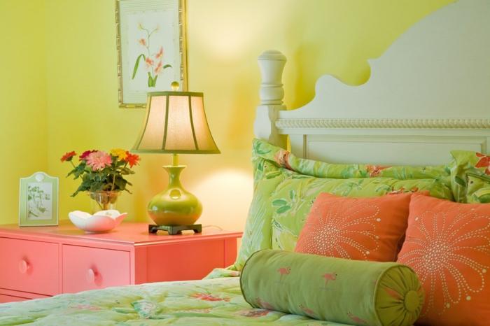 idée décoration couleur corail chambre