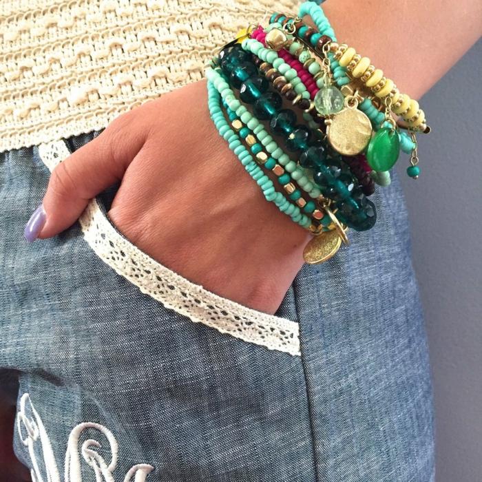 idées robe longue bohème et bijoux pour l'été