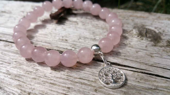 joli bracelet en quartz rose lithothérapie