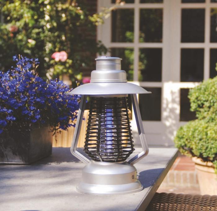 lampe jardin protection moustique tigre
