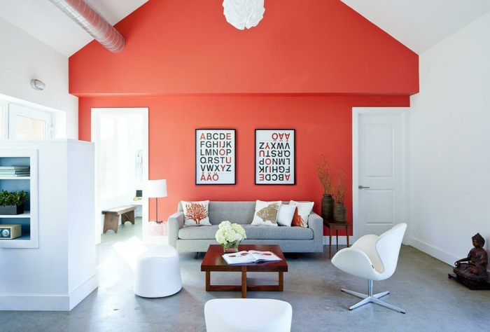 mur en couleur corail salon
