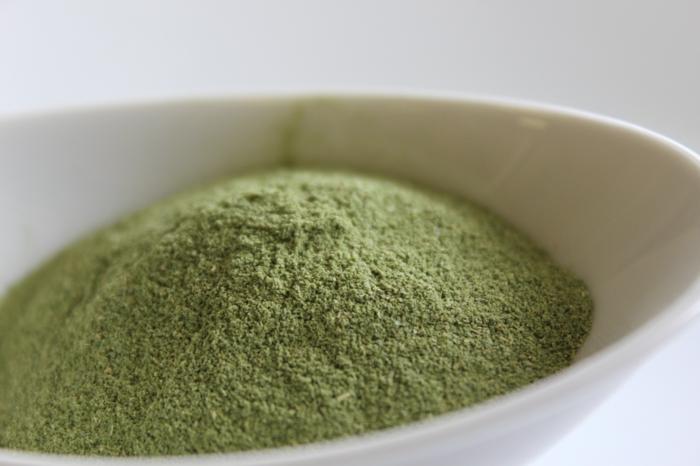 poudre de neem et poudre d'amla