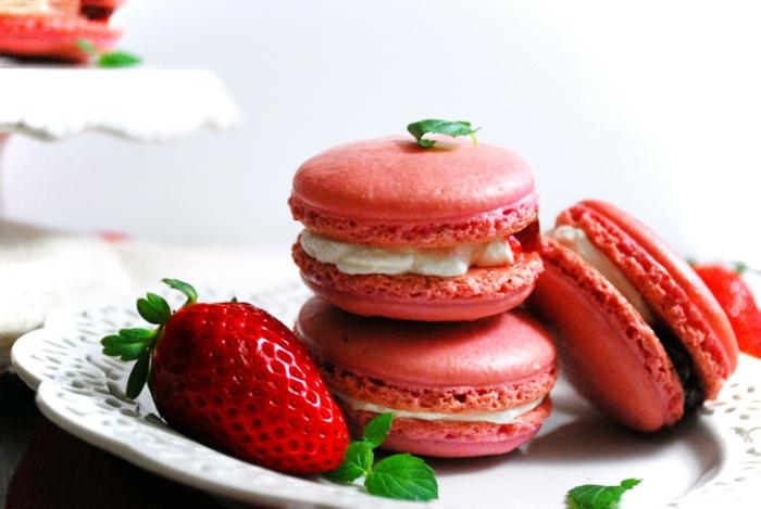 recette de macarons aux fraises et à la crème