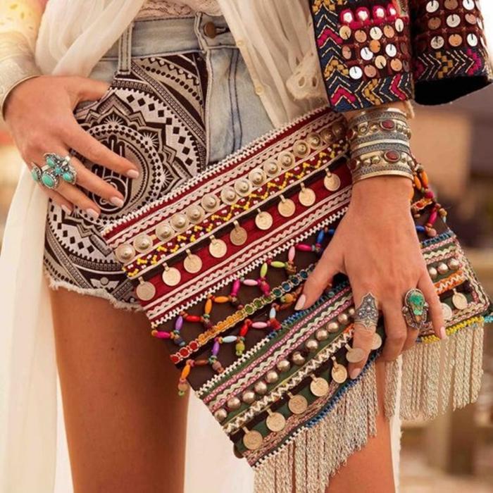 robe longue bohème et sac à main boho