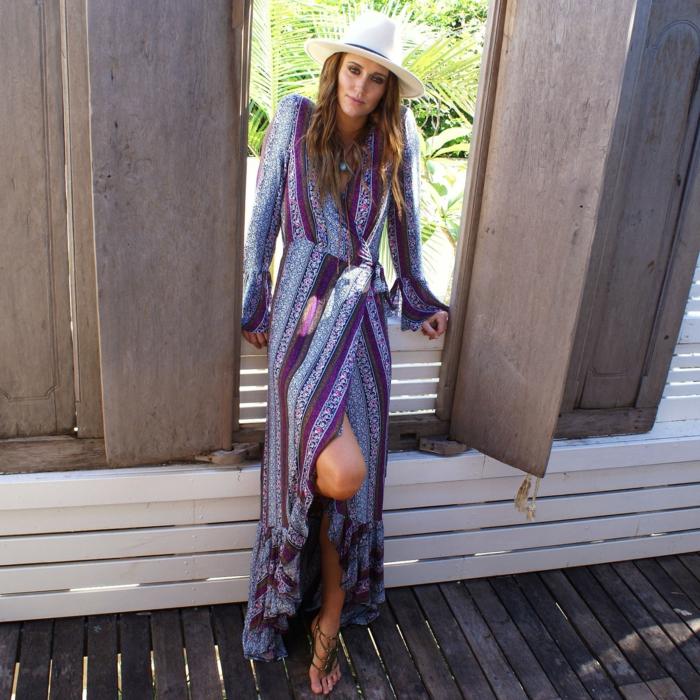 robe longue bohème et sandales plates