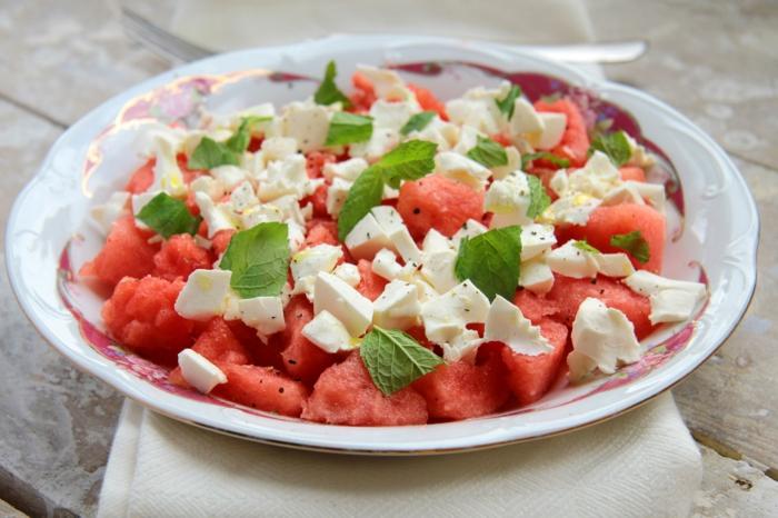 salade fraîche à la pastèque