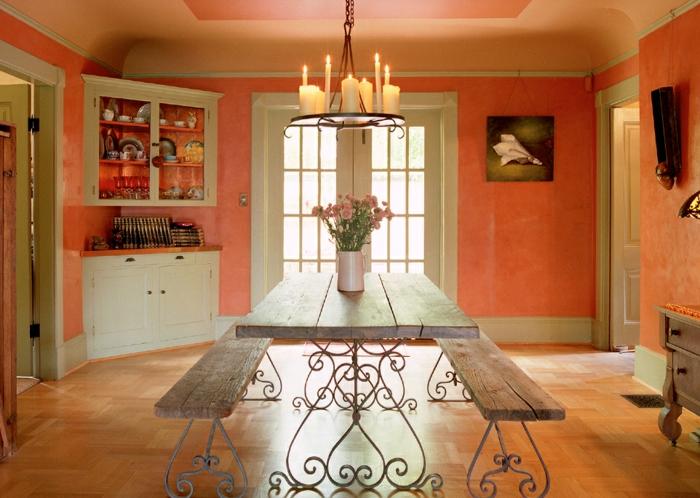 salle à manger couleur corail