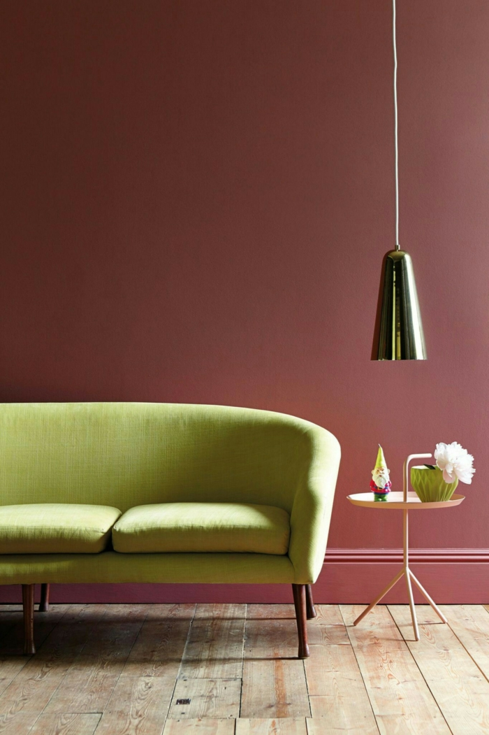 salon moderne couleur lie de vin canapé vert