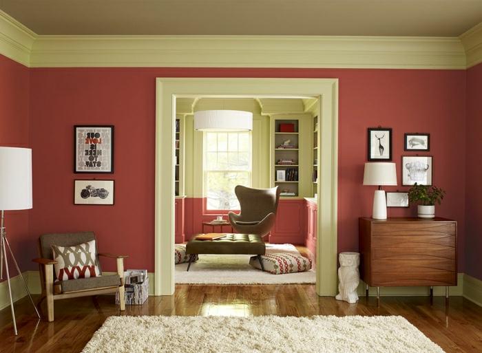 salon moulures vert menthe murs en couleur lie de vin