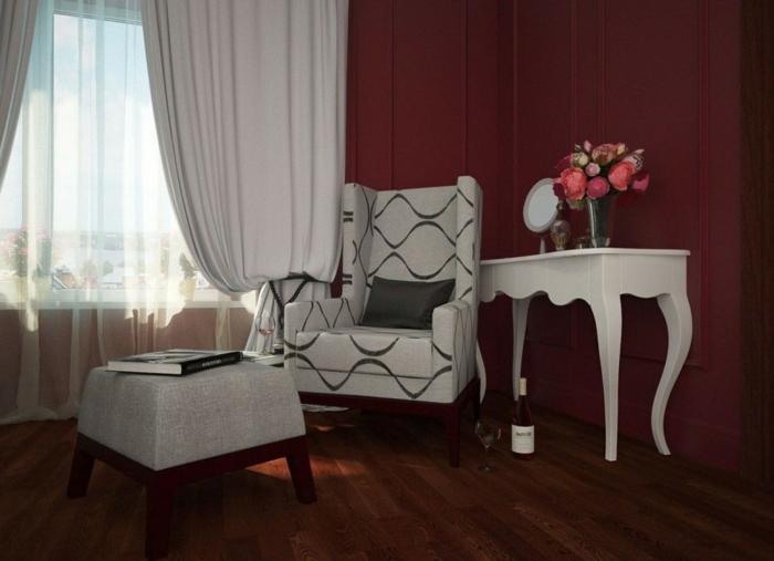 salon parquet de bois mur couleur lie de vin
