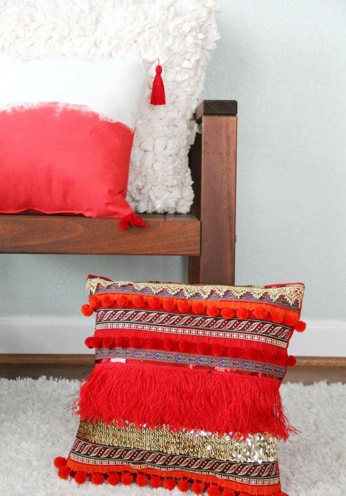 salon style hippie chic déco en couleur corail