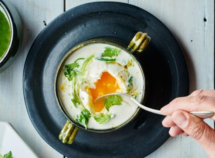 soupe ail pommes de terre et oeuf poché