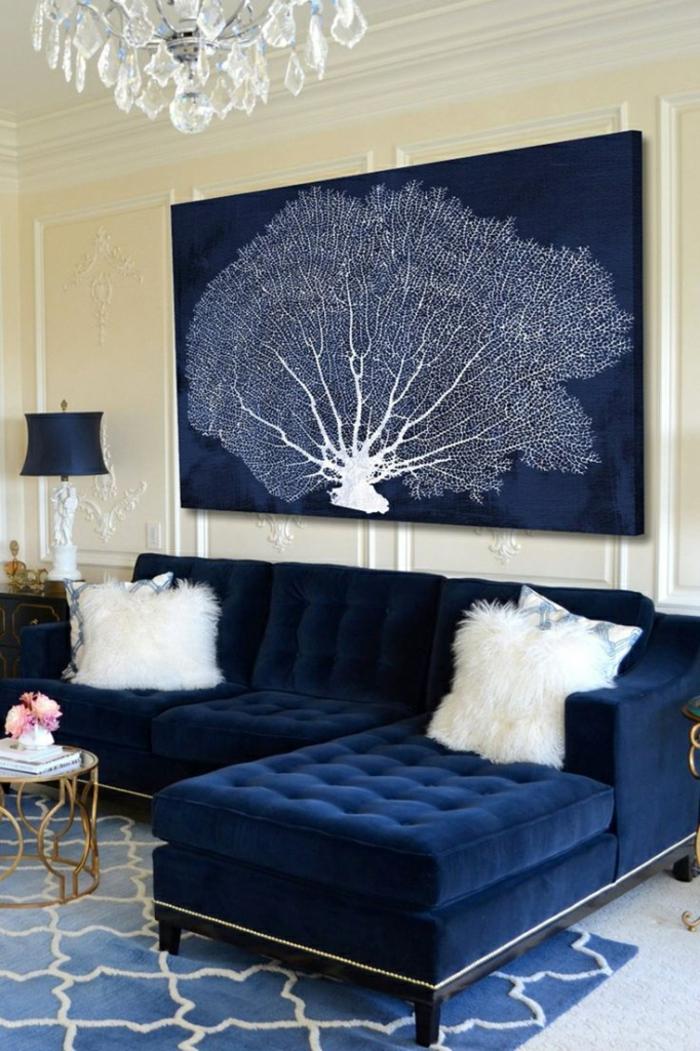 tapis canapé panneau mural en couleur indigo déco salon