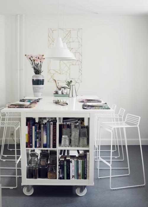 étagères Ikea Kallax étagère en guise de table à manger