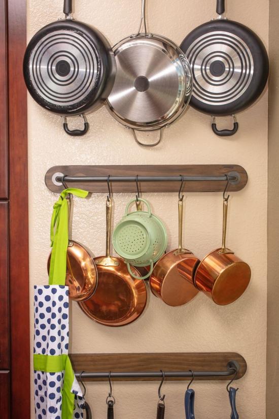 Cuisine tendances espace vaisselier accroché
