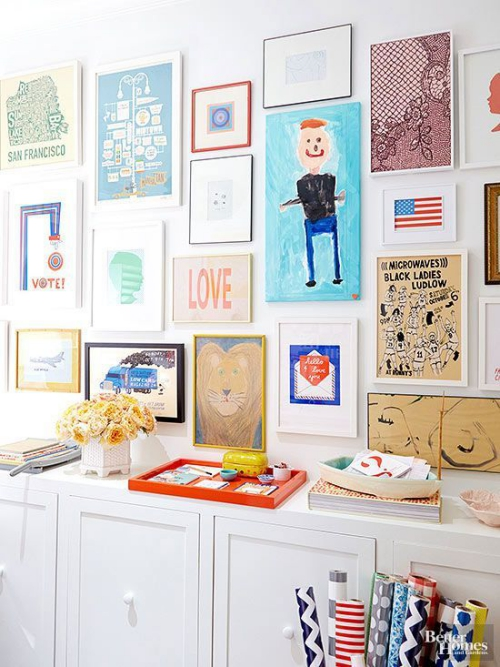 DIY mur gallerie enfants atelier de travail