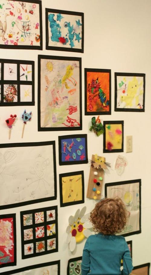 DIY mur gallerie enfants exposition de grand talent