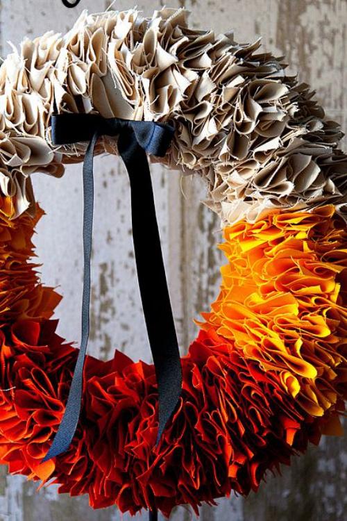Idées couronnes d'automne tissus multicolores incarnant les couleurs de l' automne