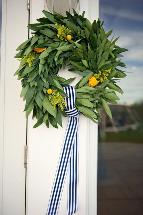 Idées de couronnes d'agrumes un beau ruban en rayures