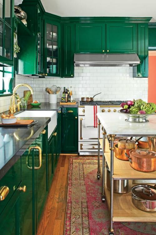 Idées pour armoires de cuisine en couleurs armoires et vitrines vertes