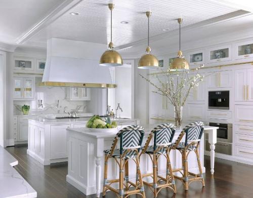Idées pour armoires de cuisine en couleurs grand espace deux îlots