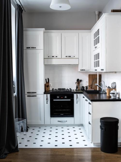 Idées pour cuisine en blanc et noir design dosseret en faïence blanche