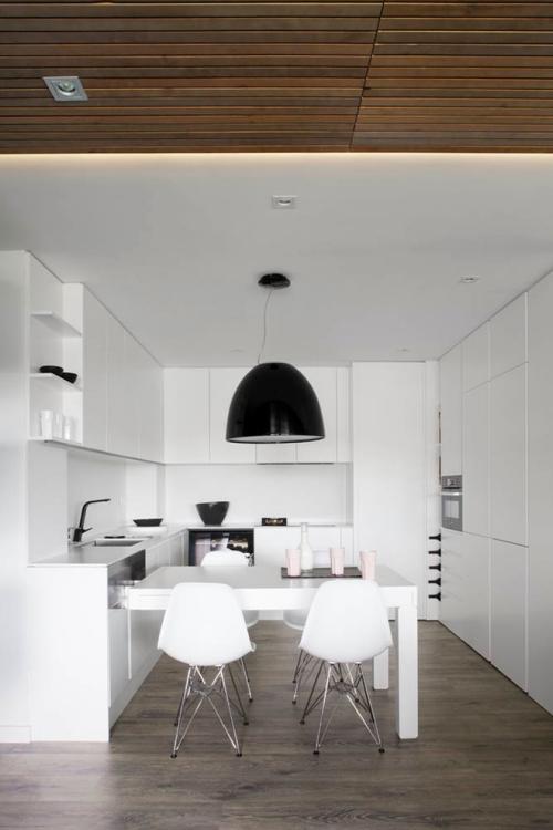 Idées pour cuisine en blanc et noir design espace étroit en blanc