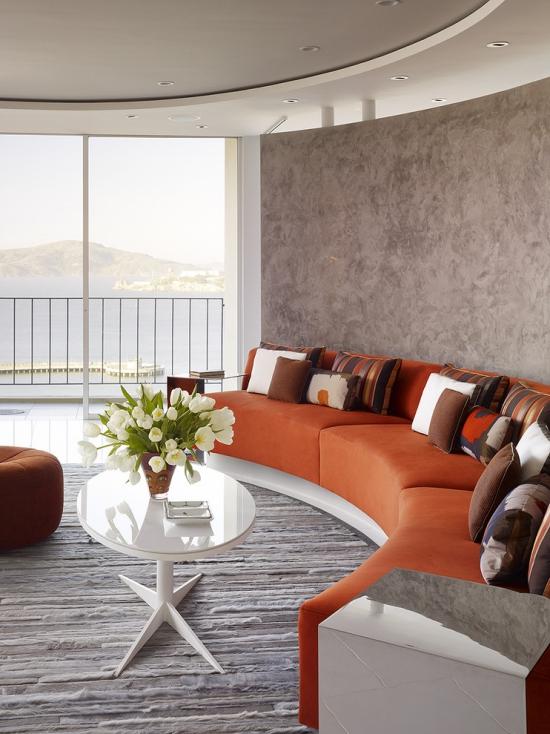 Idées pour décoration design du salon moderne canapé orange en trois parties