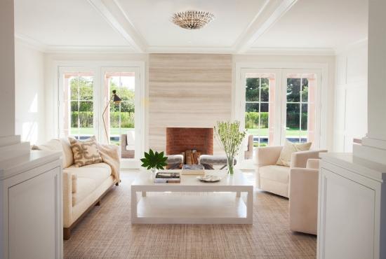Idées pour décoration design du salon moderne nuances tendres blanc et rose