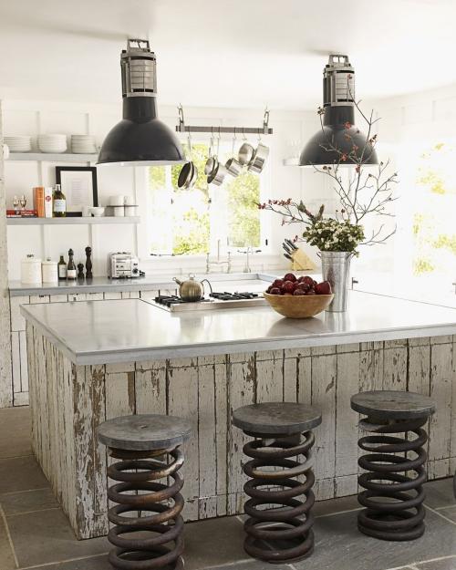 Idées pour petite cuisine comptoir à base de bois récupéré