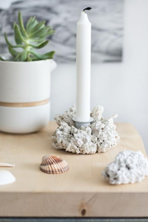 Les bougies fabriquées à la main servir de décoration