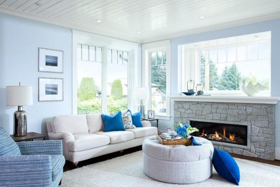 Salon bord de mer décoration murs en bleu pâle