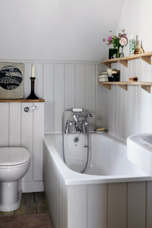 aménagement petit espace salle de bains sous le toit