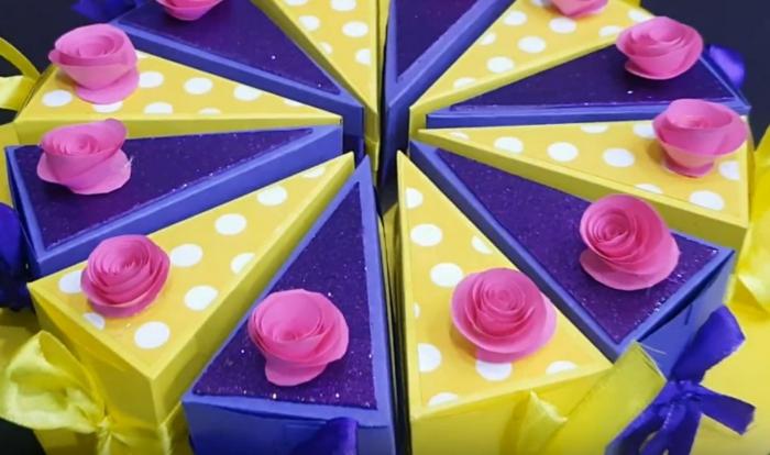 boite dragées en jaune et violet