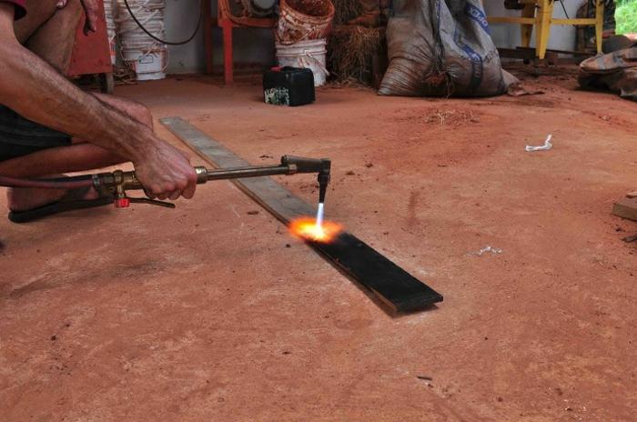 brûler planche de bois shou sugi ban