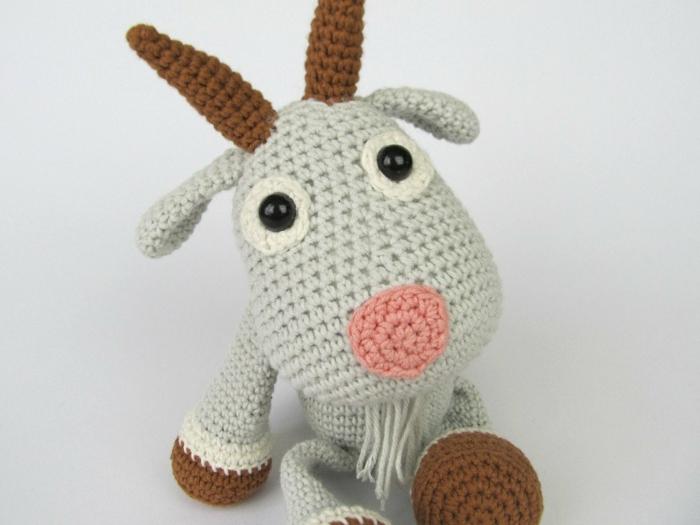 chèvre débuter au crochet amigurumi modèle