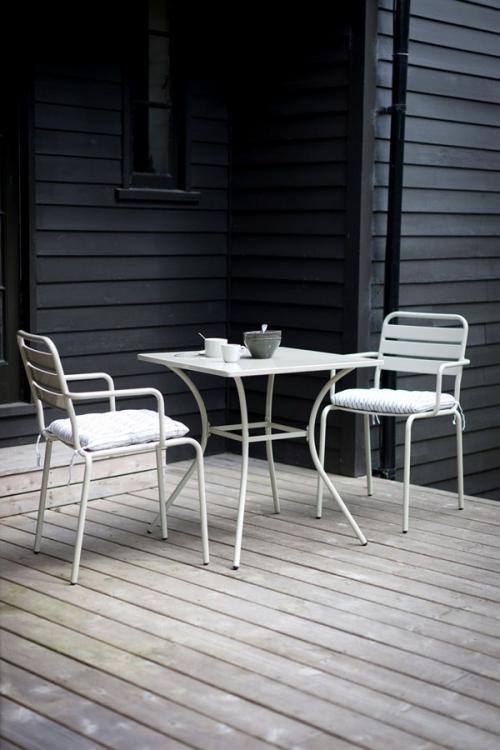 chaises de jardin construction en métal