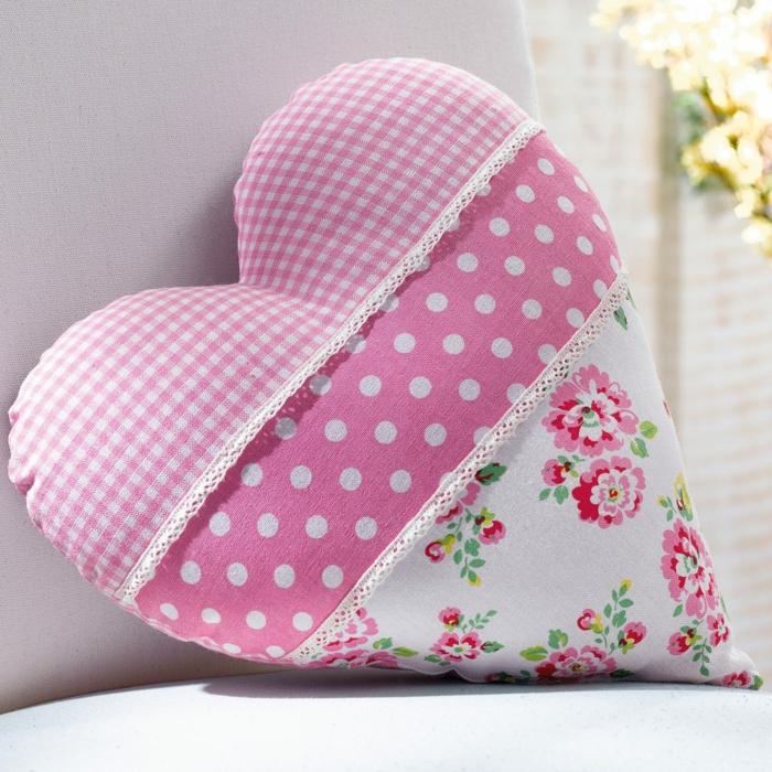 coussin patchwork idée forme de coeur